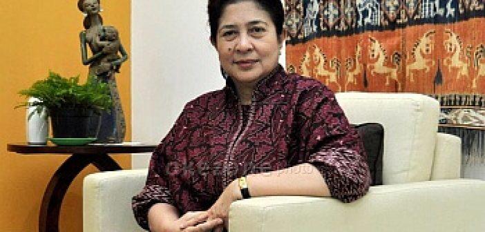 Menkes RI dr. Nila F. Moeloek