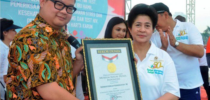 Rekor MURI Komitmen Tidak Merokok HKN Emas ke-50 tahun 2014