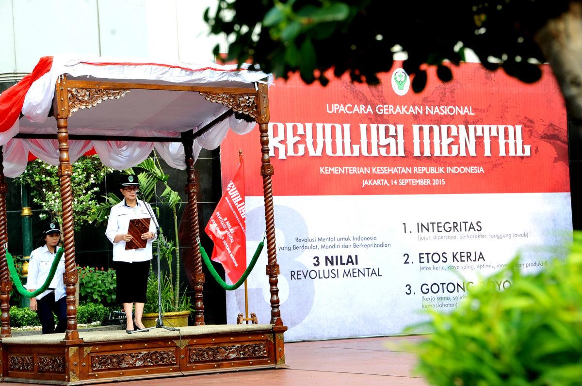 Menkes RI memimpin Upacara Revolusi Mental di Lapangan Kemenkes, Jakarta 14-9-15 Ly