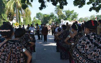 27-sd-28-11-2016-kunjungan-kerja-menkes-ke-kab-rote-ndao-kupang-ntt-4
