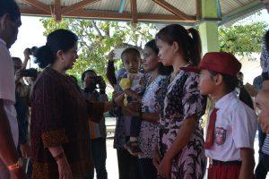 27-sd-28-11-2016-kunjungan-kerja-menkes-ke-kab-rote-ndao-kupang-ntt-8