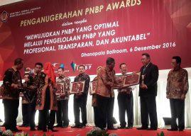 Kemenkes Terima 2 Penghargaan PNBP Awards Tahun 2016 dari Kemenkeu