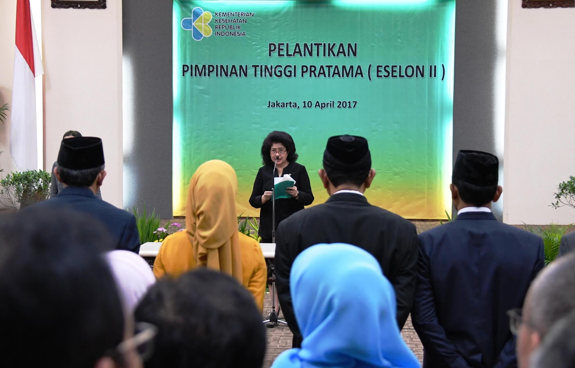 10-4-2017-menteri-kesehatan-memberikan-sambutan-pada-pelantikan-pejabat-eselon-ii