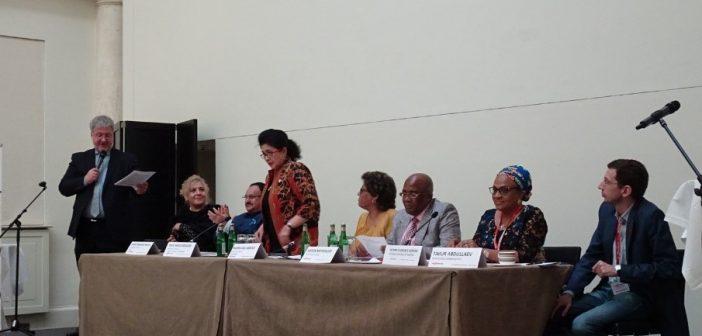 ibu-menkes-berbicara-dalam-high-level-panel-dalam-stop-tb-partnership-siang-hari-18-mei-2017