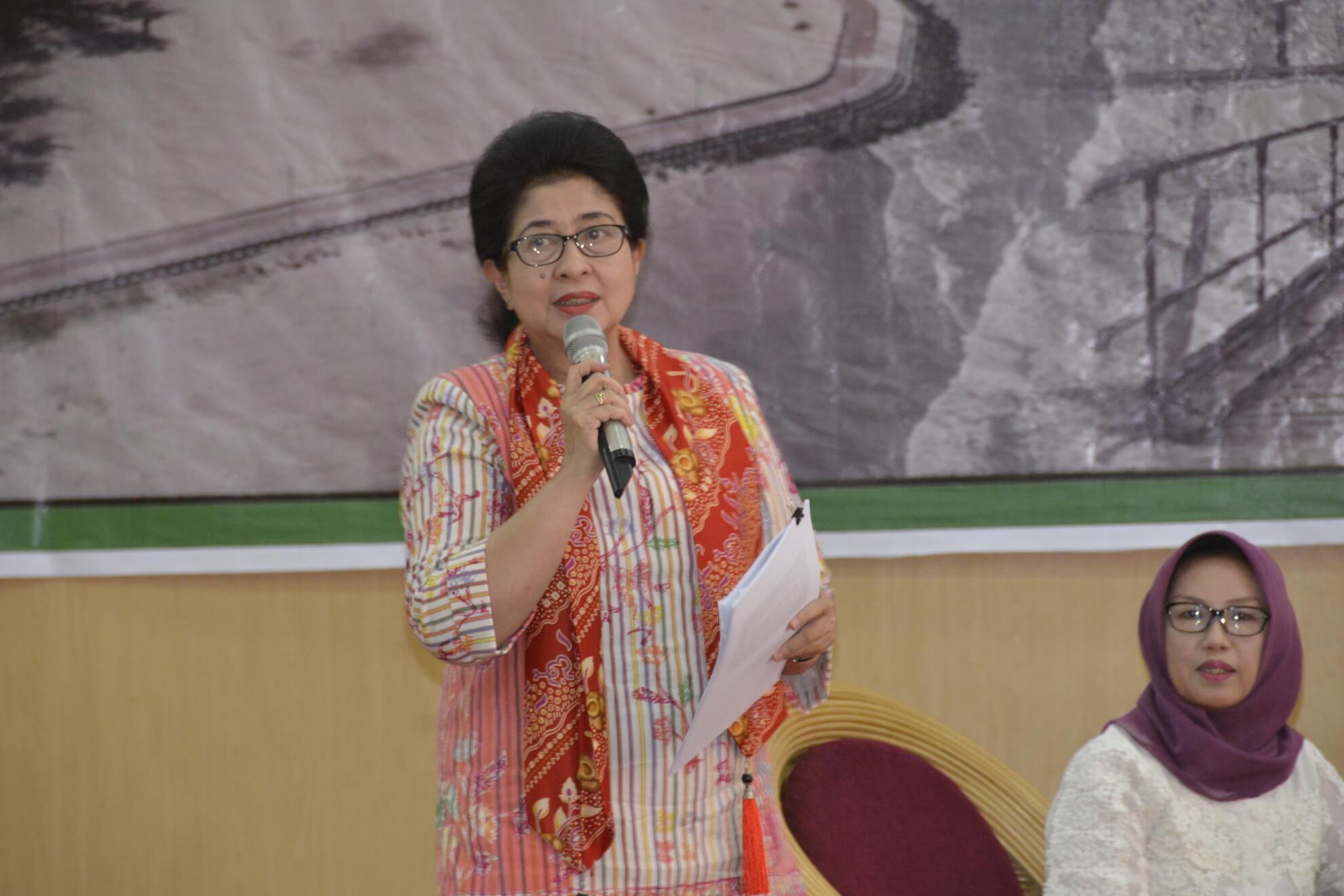 13-05-2017 Menkes Nila Moeloek Menyampaikan Keynote Speech di hadapan Bupati/Walikota dan Stakeholder Kesehatan pada Rakerkesda Provinsi Bengkulu (R46)