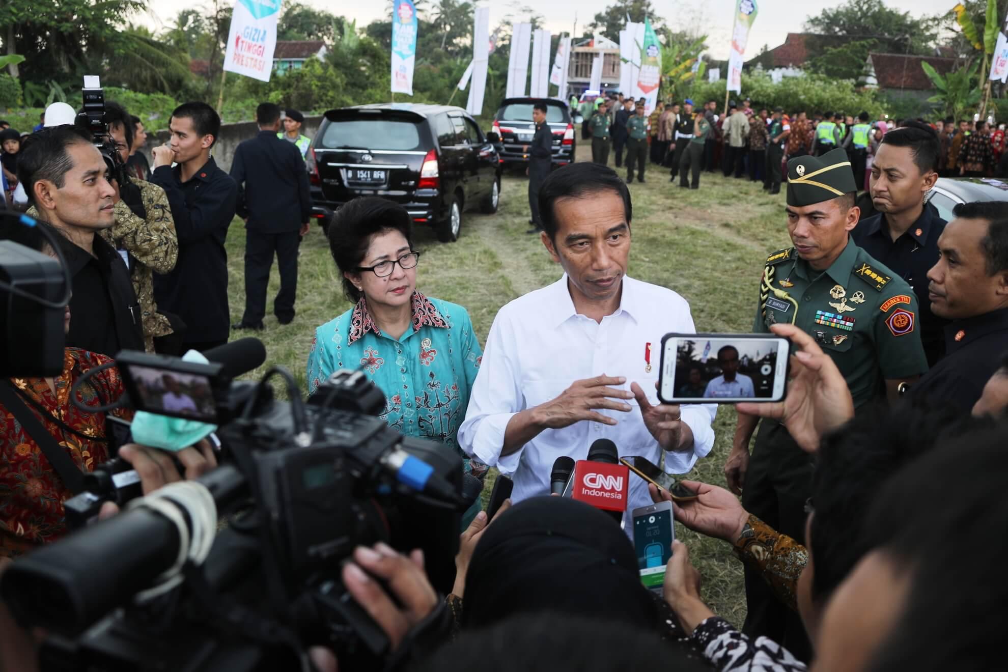 9-06-2017-penjelasan-presiden-kepada-media-tentang-pembagian-pmt