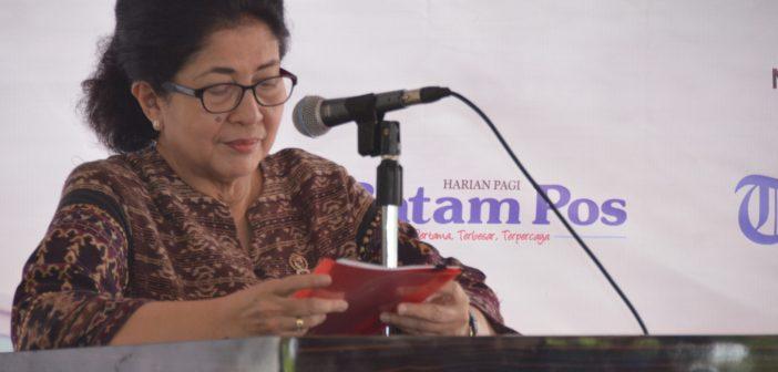 19-8-2017 Menkes memberikan sambutan pada Acara Pemecahan Rekor Operasi Katarak di Batam (RR)