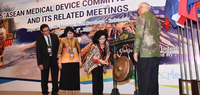 4-10-2017-menteri-kesehatan-membuka-secara-resmi-5th-asean-medical-devie-commitee-meeting-jw-mariot-surabaya
