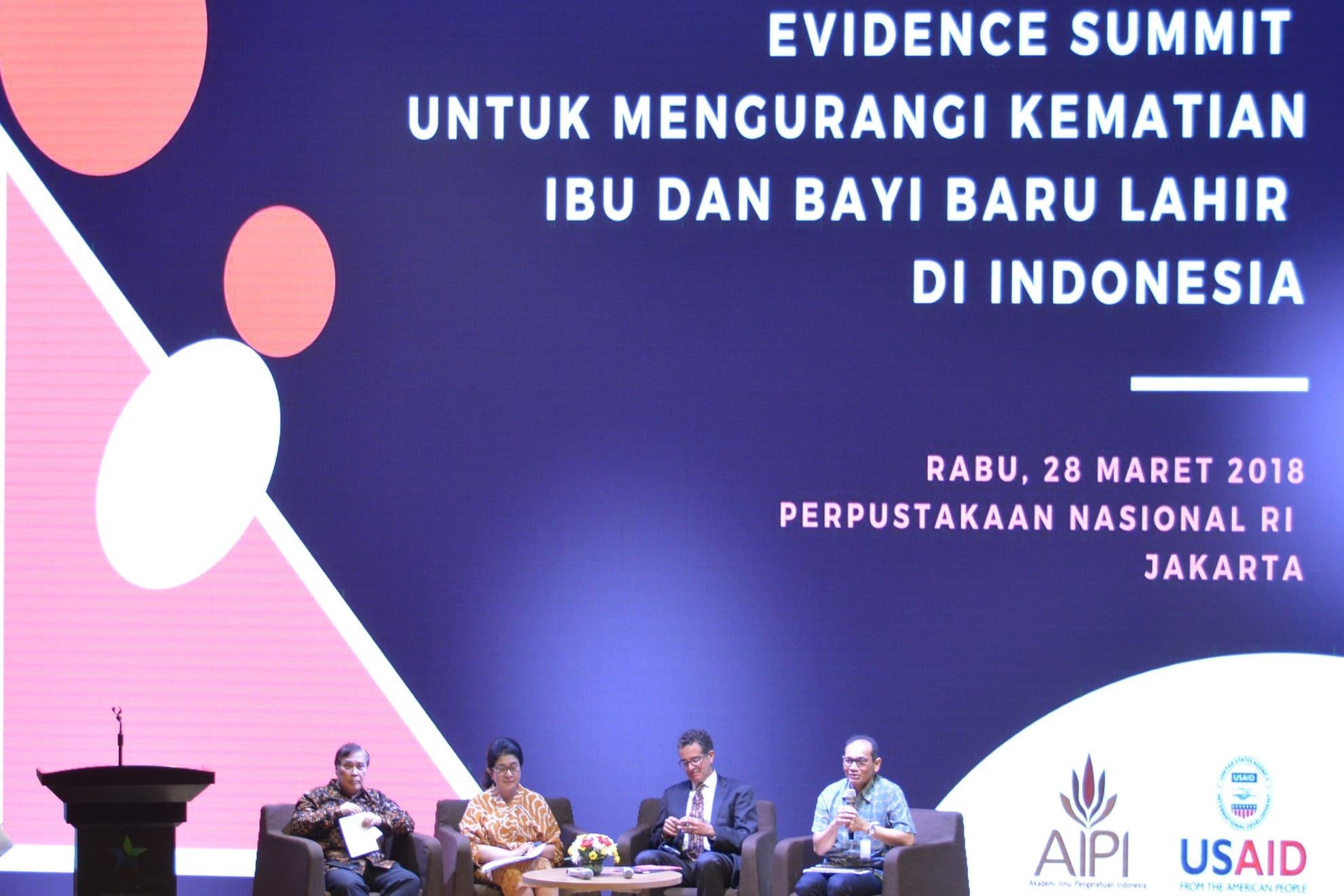 28-03-2018-menkes-melakukan-diskusi-pada-pertemuan-evidence-summit-untuk-mengurangi-kematian-ibu-dan-bayi-baru-lahir-di-indonesia