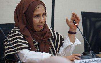 dr. Cut Putri Arianie, MHKes