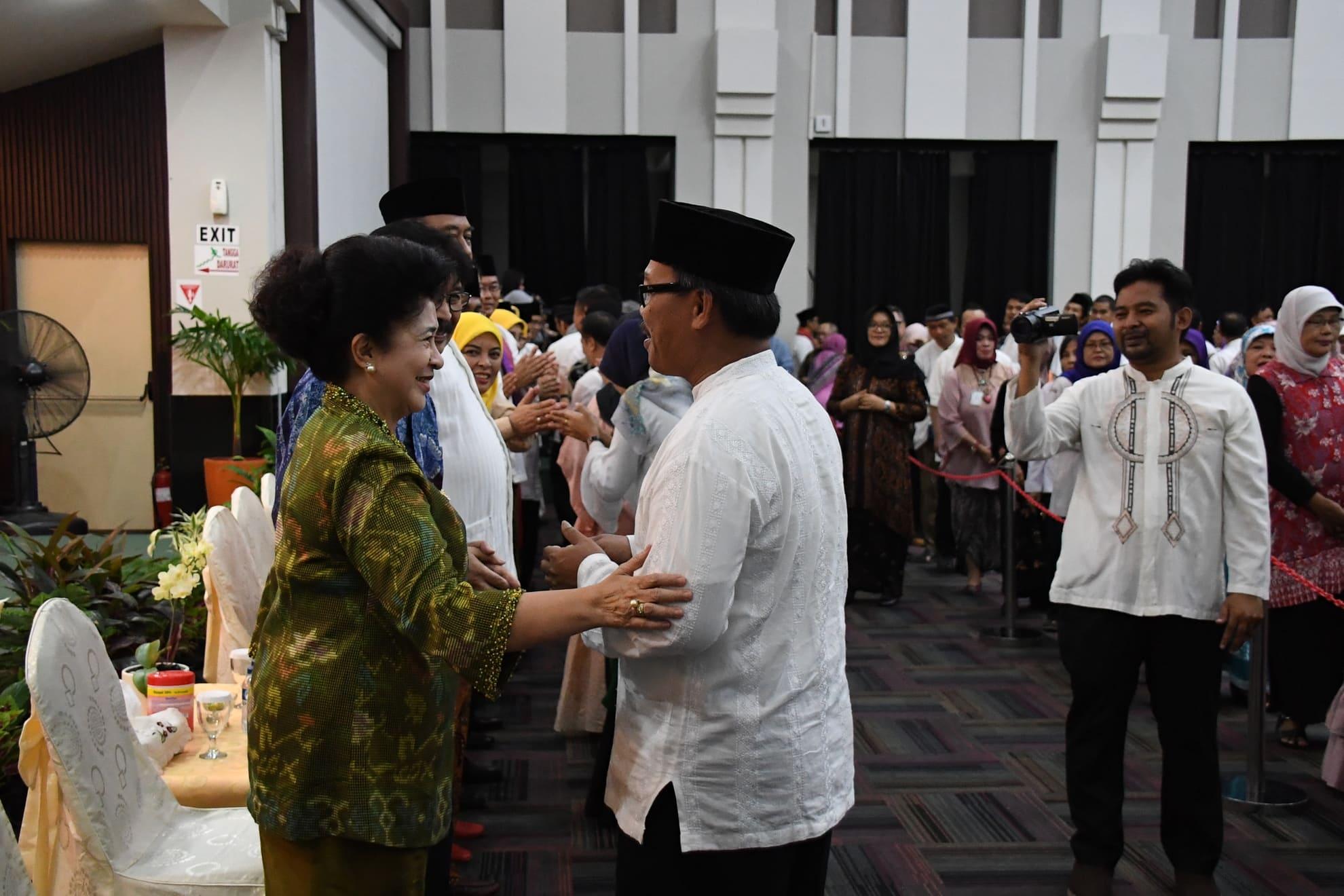 21-6-2018-halal-bi-halal-seluruh-pegawai-kementerian-kesehatan-14