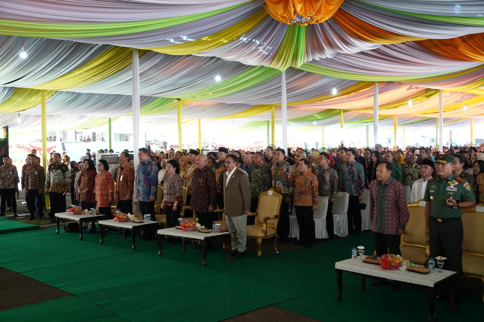 23-6-2018-menyanyikan-lagu-indonesia-raya-pd-peresmian-rsud-provinsi-sumatera-selatan-1