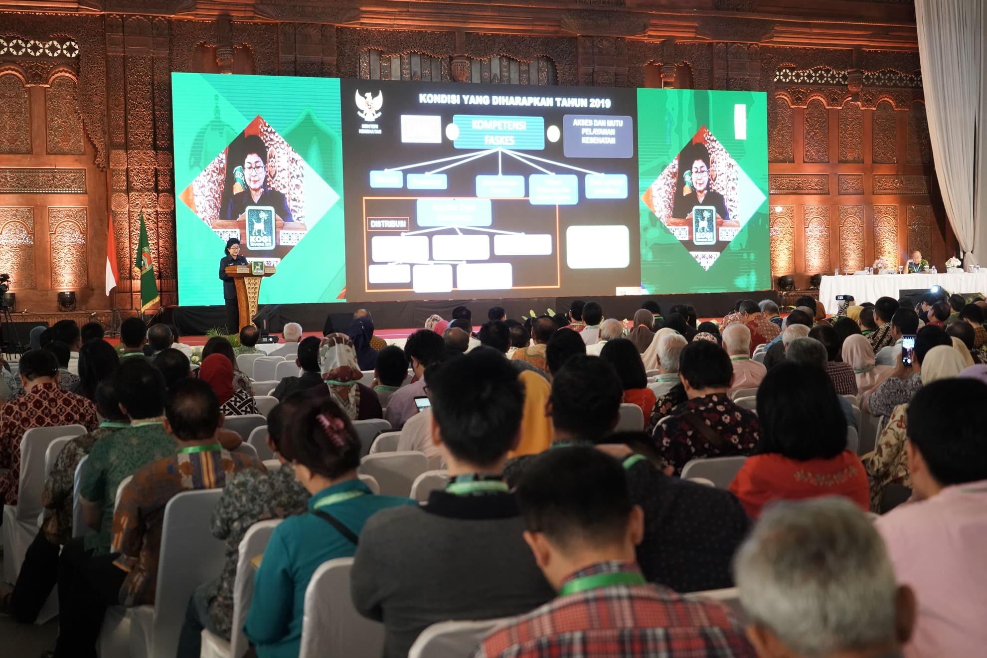 24-7-2018-keynote-speech-menkes-pd-kongres-obsetri-dan-ginekologi-indonesia-2018-di-semarang-5