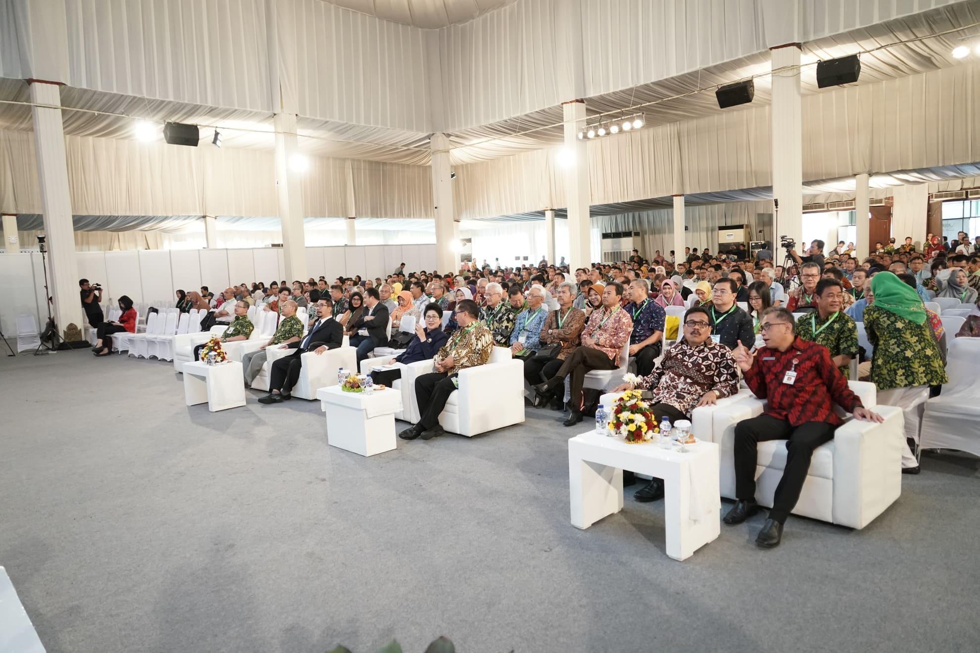 24-7-2018-kunker-menkes-ke-semarang-menghadiri-kongres-obsetri-dan-ginekologi-indonesia-2018-4