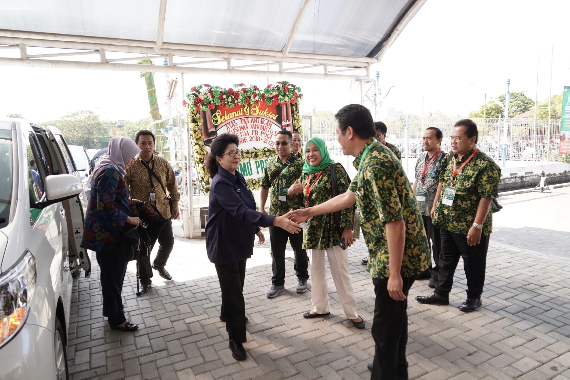 24-7-2018-menkes-tiba-kongres-obsetri-dan-ginekologi-indonesia-2018-di-semarang-1