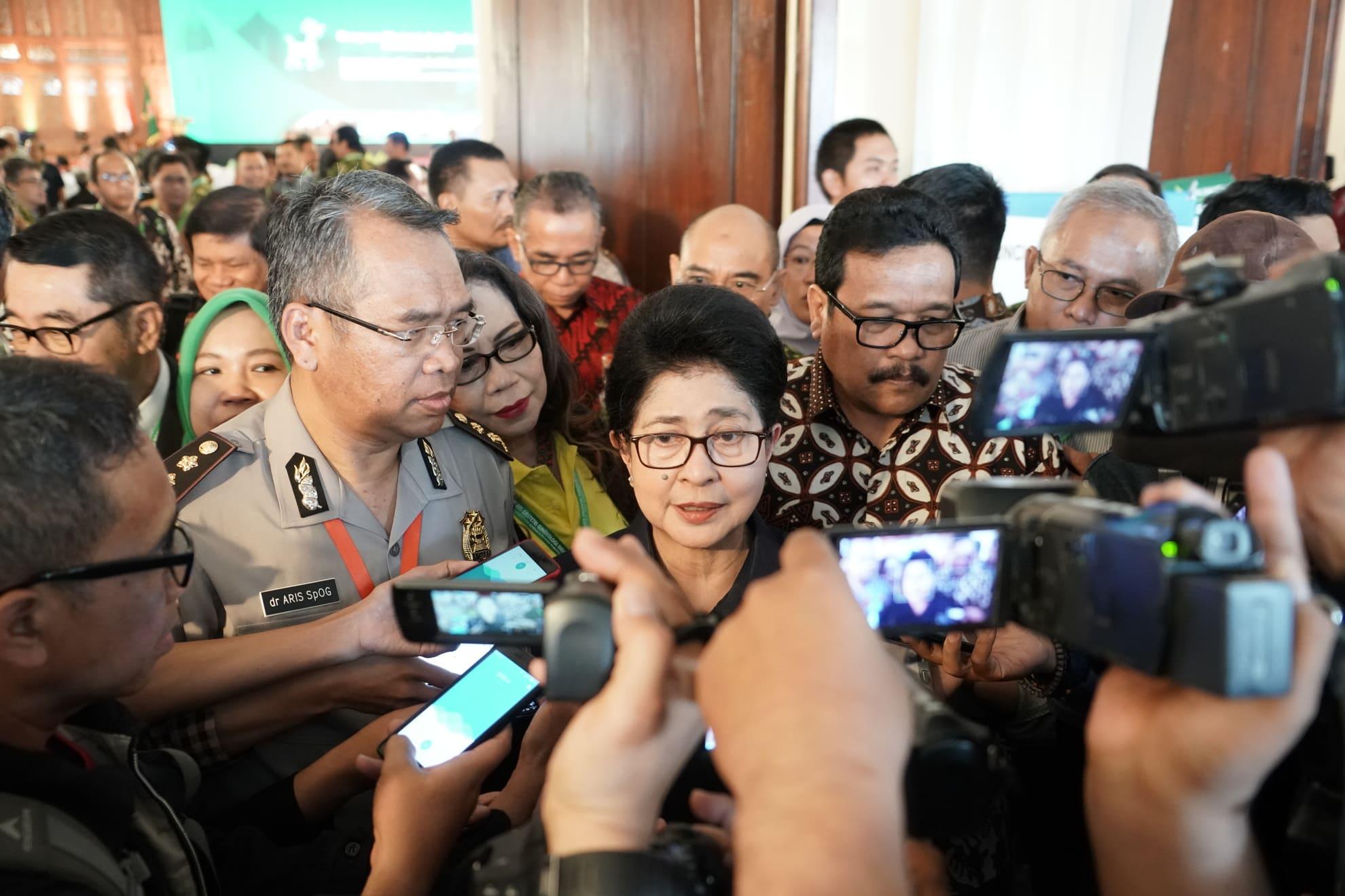 24-7-2018-temu-media-menkes-pd-kongres-obsetri-dan-ginekologi-indonesia-2018-1
