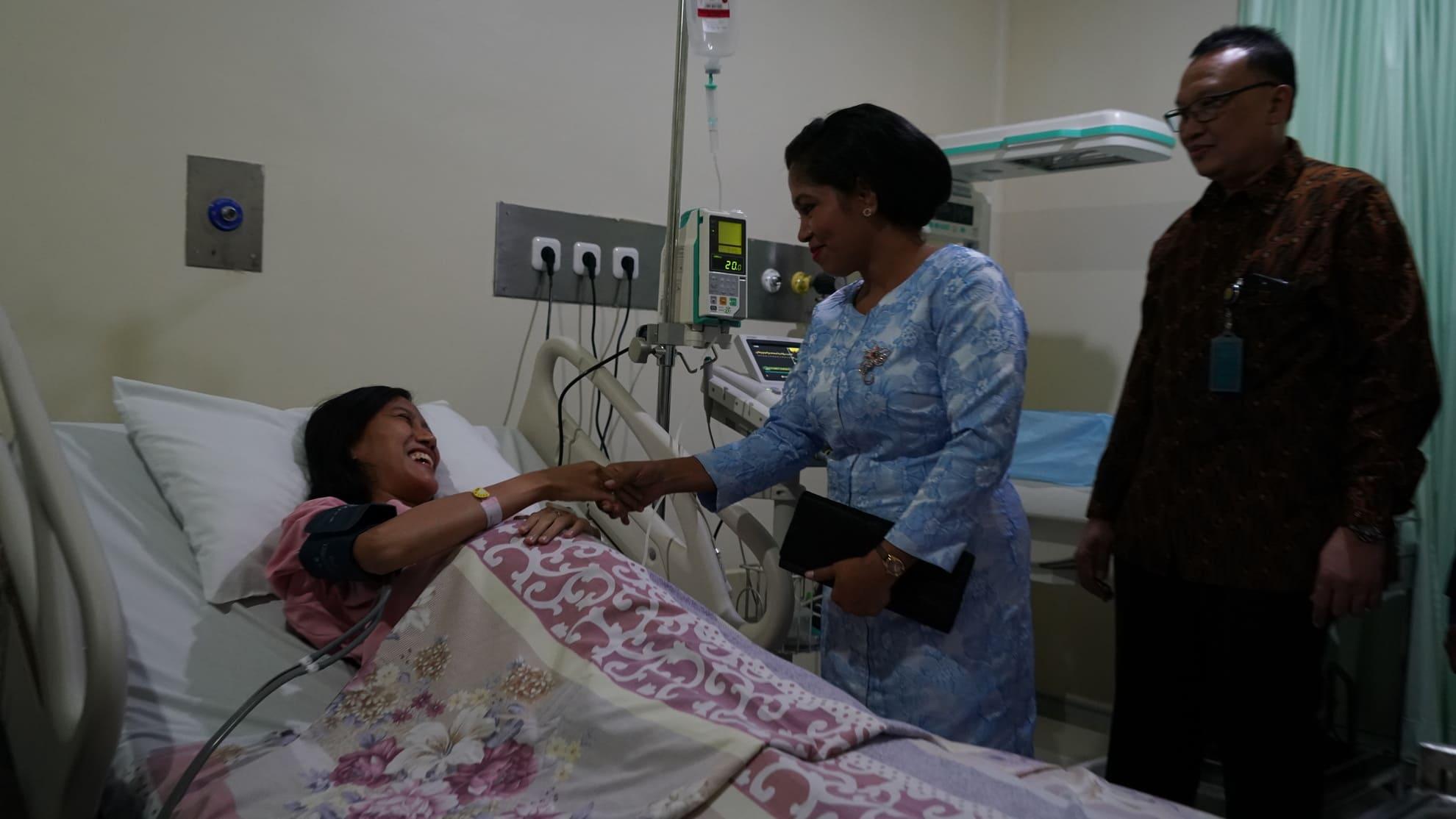 28-6-2018-kunjungan-ibu-negara-timor-leste-di-ruang-pasien-rsab-harapan-kita-tf