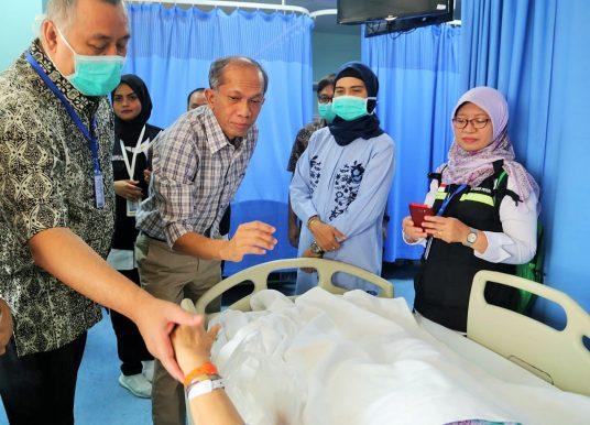 Jelang Berakhirnya Operasional Haji, Sekjen Kemenkes RI Kunjungi Jemaah Haji di RSAS