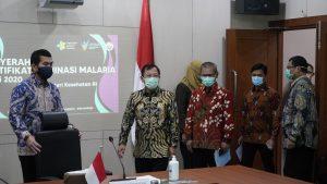 01-05-2020-penyerahan-sertifikat-eliminasi-malaria-4